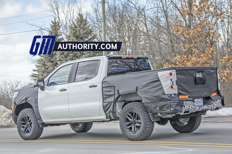 2022-Chevrolet-Silverado-ZR2-1500-Spy-Shots-February-2022-023.jpg